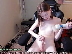 Pallid princess spunks with massager