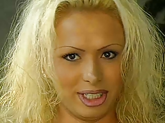 Gia Darling Gives and Takes