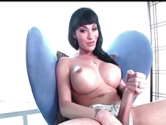 # Global  : Mia Isabella - USA