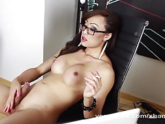 Red-hot Japanese  Masturbates Off
