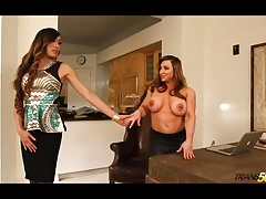Stellar  shemale Venus Lux screws fit Brandi Mae