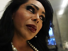 Transgender princess mega-bitch bating in toilet apartment