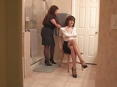 Ohphelia Catches Sandra Dressing!